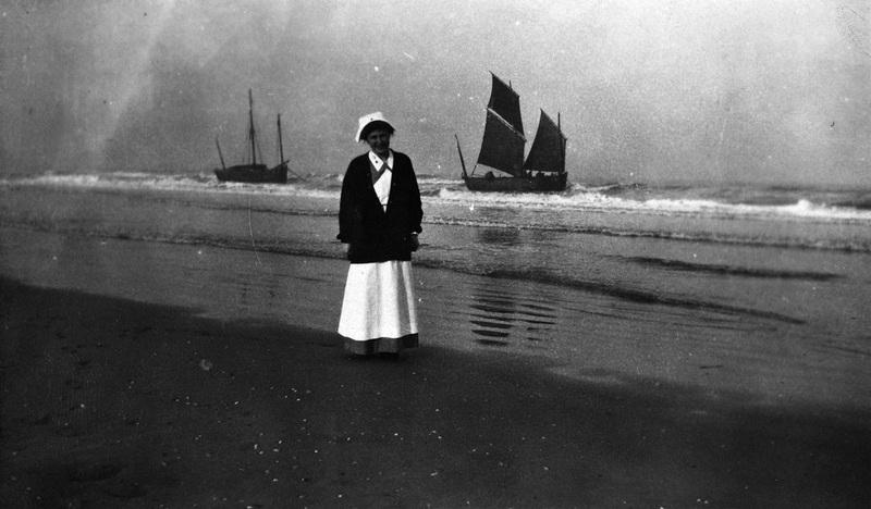 Vashti Bartlett on beach in La Panne, Belgium