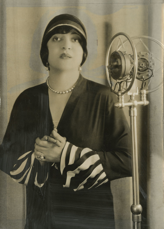 Photograph of Rosa Ponselle with microphone, 1927