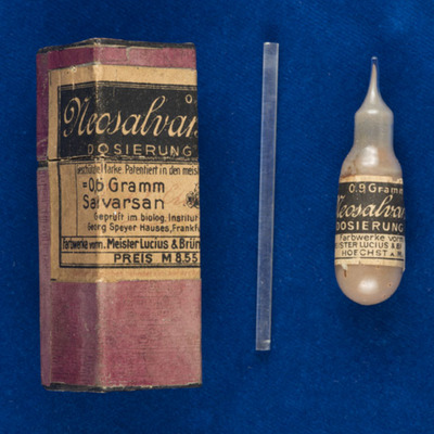 Sealed vial of Salvarsan and packaging