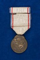 Alice Henderson's Médaille de la Reconnaissance Française